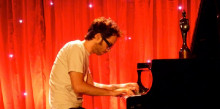 Ple absolut pel concert del pianista James Rhodes